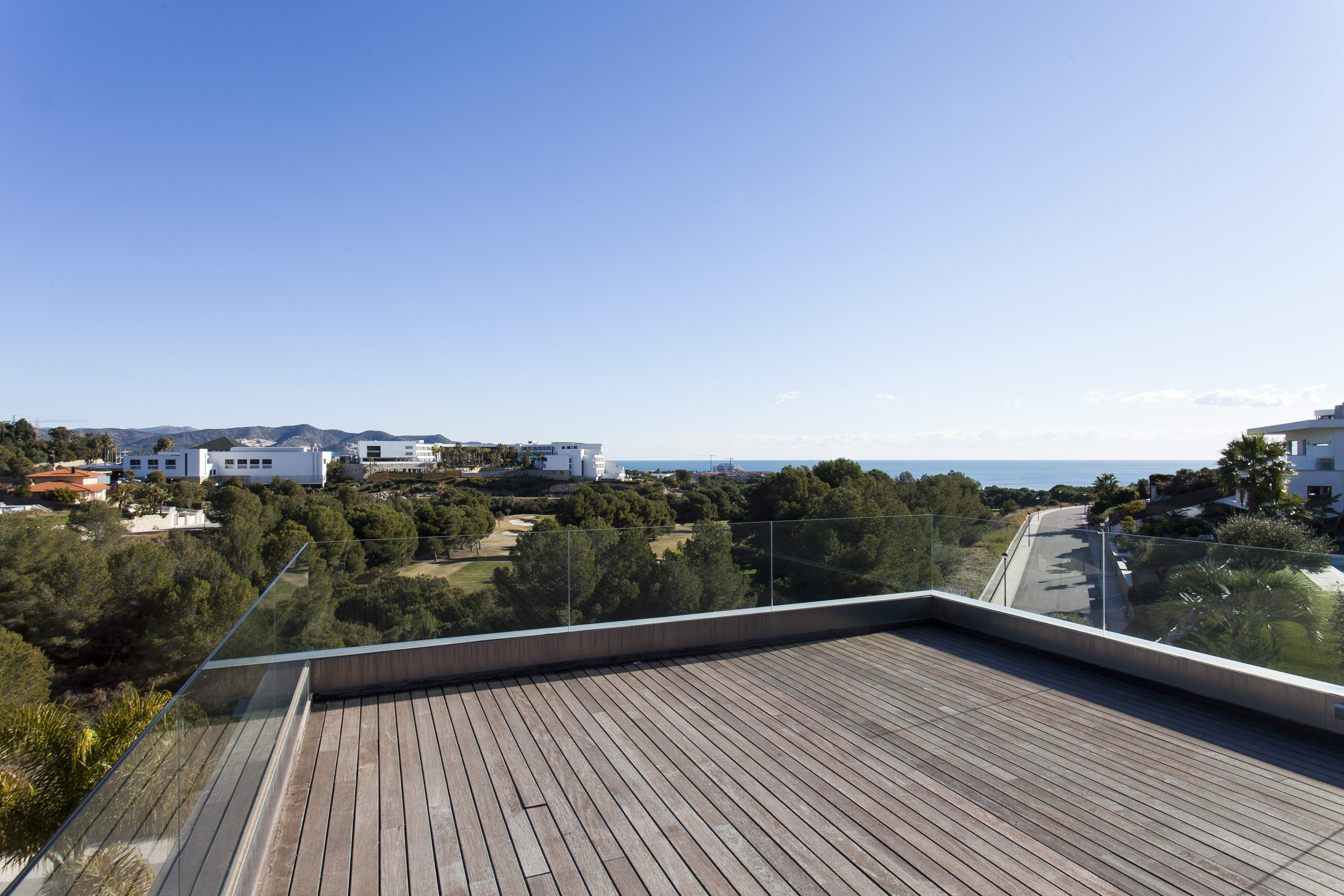 Ample terrace with views